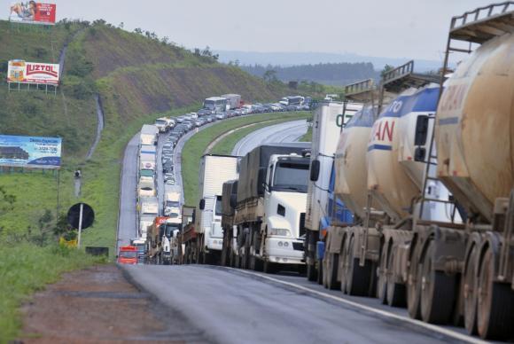 protesto caminhão MT