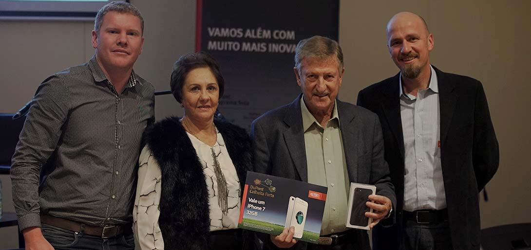 Amaury Alfredo da Cunha produz 435 hectares de soja e colheu 72,8 sc/ha nesta temporada. No Colheita Farta separou 12 hectares e obteve a produtividade de 103,1 sc/ha.