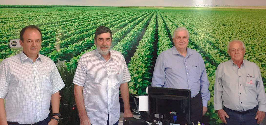 Legenda da foto das pessoas: (da esquerda para a direita) Fernando Cunha Pagliarin, Gilberto Camponogara Balconi, Edegar Steckel e Ocir Ameireles Londero.